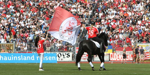 Arte Equestre beim großen Fußballderby in Nordhessen
